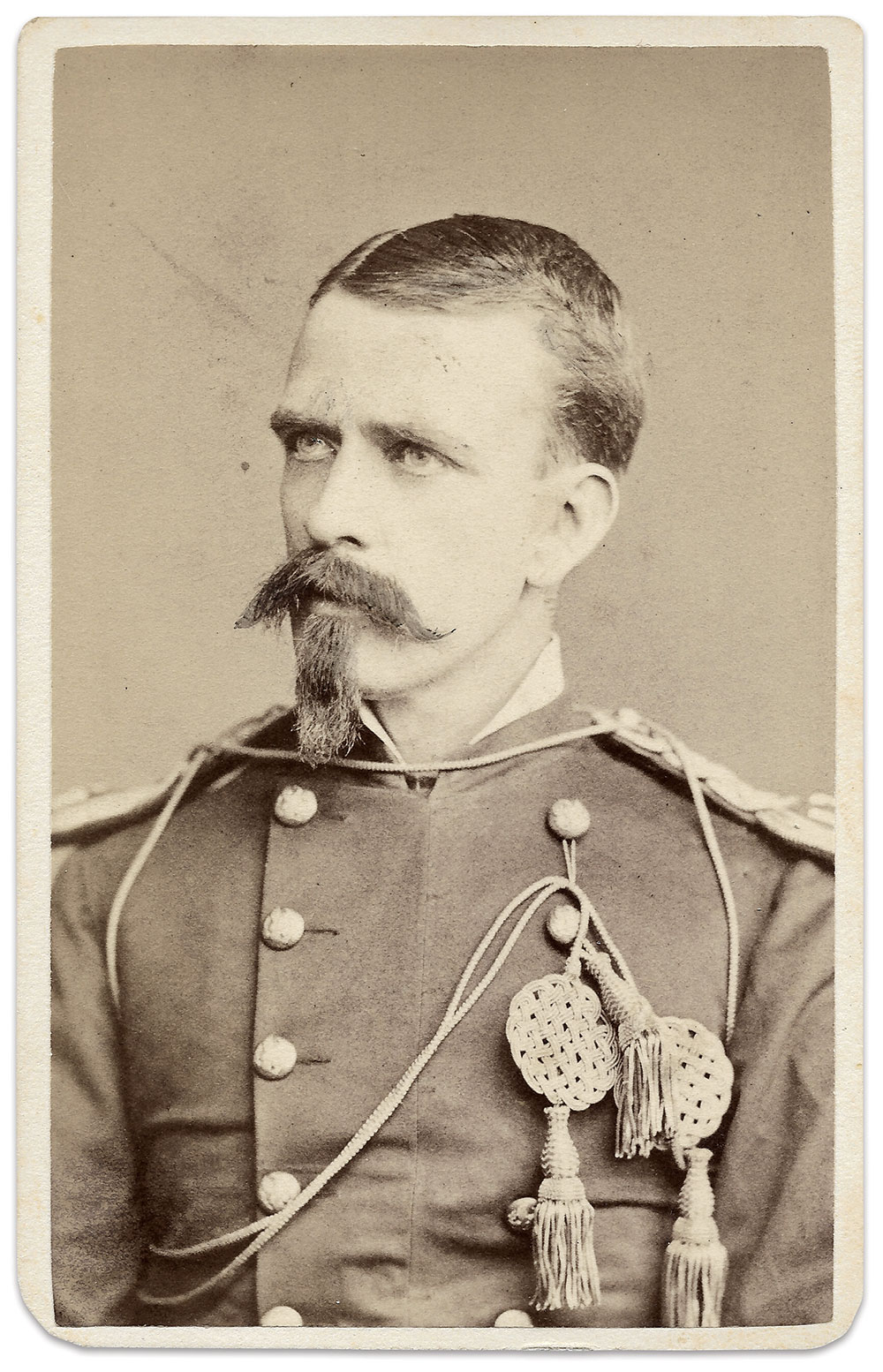 Crawford as an officer in the 3rd U.S. Cavalry. Cabinet Card by Gilbert & Bacon of Philadelphia, Pa. Mark Kasal Collection.